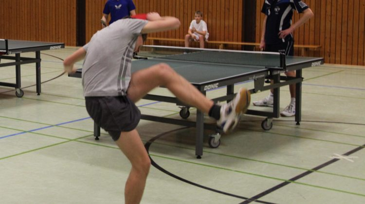 Bruce Lee kann auch Tischtennis