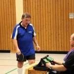 Helmut Kröger auf dem Weg den Schiedsrichter zu belehren
